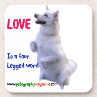 Posavasos El amor es una palabra legged cuatro