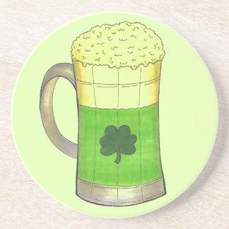 Posavasos El día de St Patrick irlandés del trébol de la