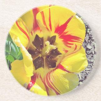 Posavasos Flor amarilla y roja