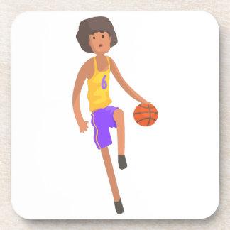 Posavasos Jugador de básquet que corre con el pegatina de la