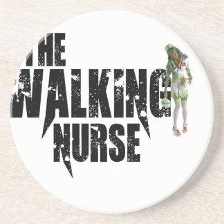 Posavasos La enfermera que camina