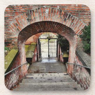 Posavasos La entrada de la fortaleza