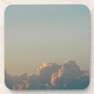Posavasos nubes en Rumania