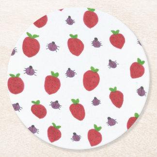 Posavasos Redondo De Papel Fresas y señora Bugs Fruity Pattern