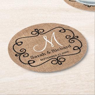 Posavasos Redondo De Papel Monograma rústico del boda de la arpillera