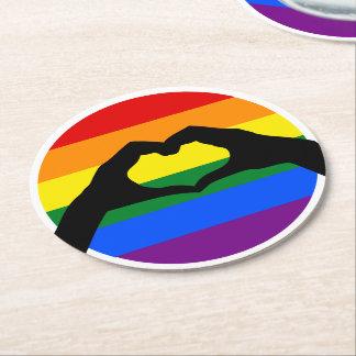 Posavasos Redondo De Papel Silueta del arco iris del orgullo gay de LGBT y de