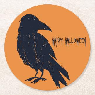 Posavasos Redondo De Papel Silueta negra del cuervo de Halloween