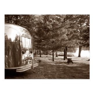 Postal Acampada retra del remolque del viaje del vintage