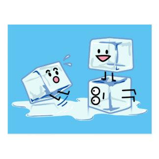 Postal agua helada del cubo de los cubos de hielo que