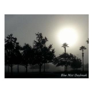 POSTAL:  Alba azul de la niebla Postal