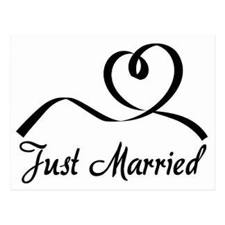 Postal Apenas boda casado blanco y negro del corazón