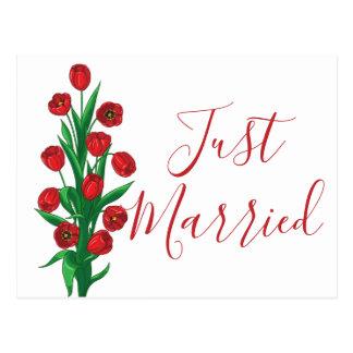 Postal Apenas boda rojo casado floral de la flor del