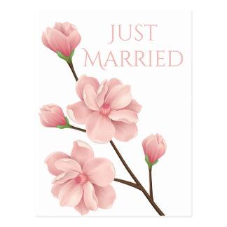 Postal Apenas casado casando la flor rosada de la flor de