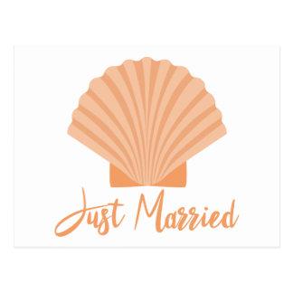 Postal Apenas playa anaranjada casada del Seashell del