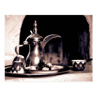 Postal árabe del pote del café
