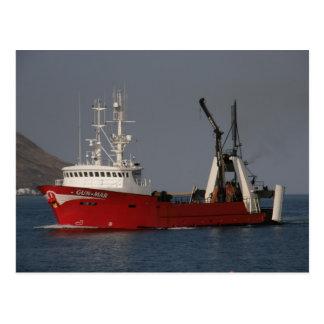Postal Arma marcha, pescando el barco rastreador en