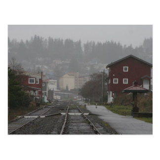 Postal Astoria Oregon en una tarde lluviosa