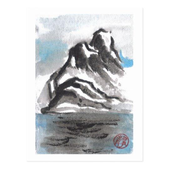 Postal azul tranquila del paisaje de la montaña