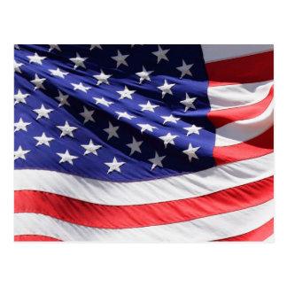 Postal Bandera americana de los E.E.U.U. que agita