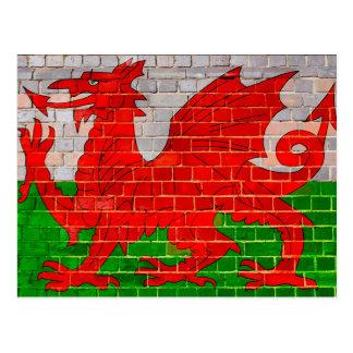 Postal Bandera de País de Gales en una pared de ladrillo
