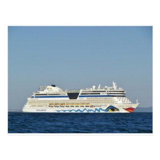 Postal Barco de cruceros colorido