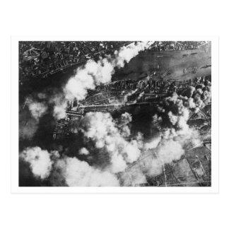 Postal Batalla de Inglaterra y los bombardeos: Muelles