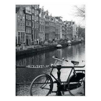 Postal Bicicleta por el canal