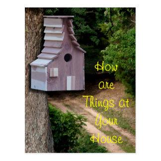 Postal Birdhouse del cedro en un personalizar de la