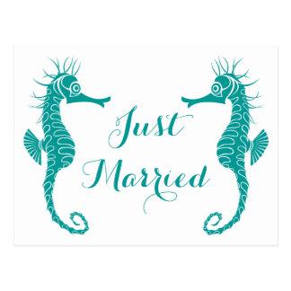 Postal Boda de playa casado del Seahorse de la turquesa