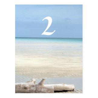 Postal Boda del número de la tabla de la playa