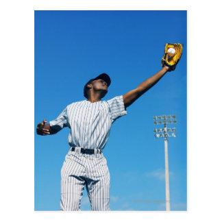 Postal bola de cogida del jugador de béisbol (16-20)