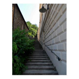 Postal buen viaje, escaleras