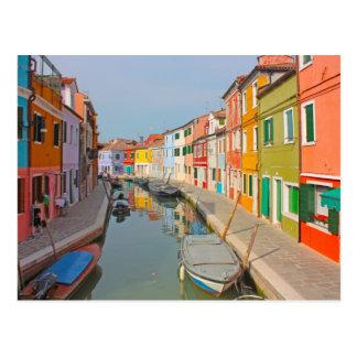 Postal Canal de Venecia, isla de Burano, pequeñas casas