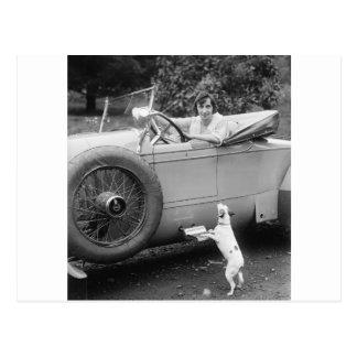 Postal Cantante con su perro, los años 20 de la ópera