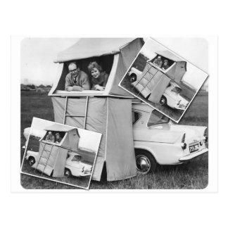 Postal Caravana que acampa del coche del vintage