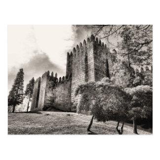 Postal Castillo de Guimaraes en Portugal