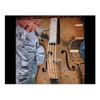 Postal céntrica de Fresno del mural del bajista