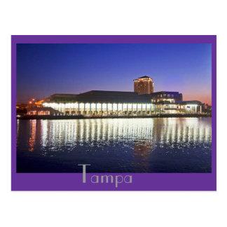 Postal Centro de convenio de Tampa en el amanecer