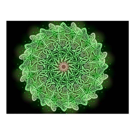 Postal chispeante verde de la rueda de Knotwork