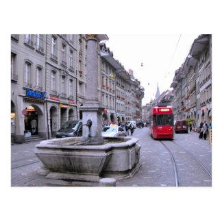 Postal Ciudad vieja de Berna - fuente y tranvía