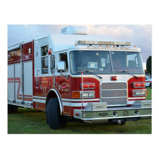 Postal coche de bomberos de la parte frontal del