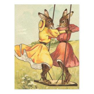 """Postal """"Conejos en vintage Pascua de un oscilación"""""""