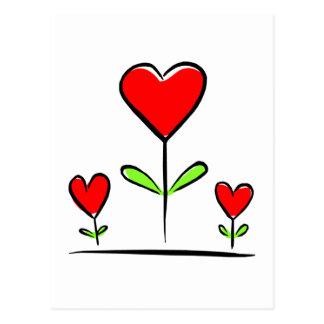 Postal Corazón floreciente del amor de las flores de los
