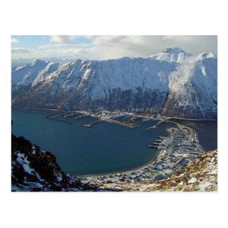 Postal Cordillera y ciudad de Alaska abajo