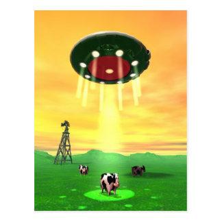 Postal cósmica de la abducción de la vaca