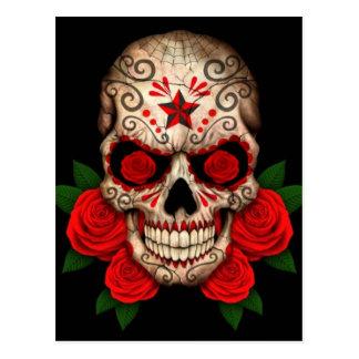 Postal Cráneo oscuro del azúcar con los rosas rojos
