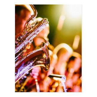 Postal Cuernos de los saxofones de los instrumentos