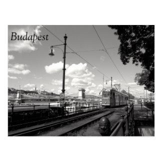 Postal de Budapest. Tranvía, puente de cadena y
