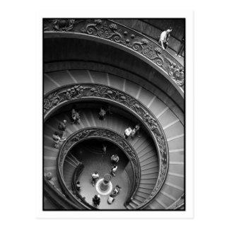Postal de la escalera espiral del museo de Vatican