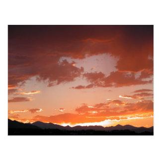 Postal de la foto de la salida del sol de la